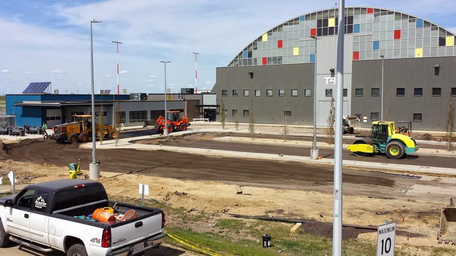 Edmonton commercial asphalt paving contractors edmonton for Construction local commercial